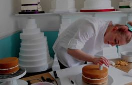 More genuinely incredible cakes - investment opportunity